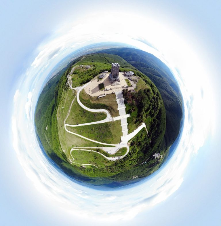 tiny-planet-how-to-do-it-with-a-drone-photo